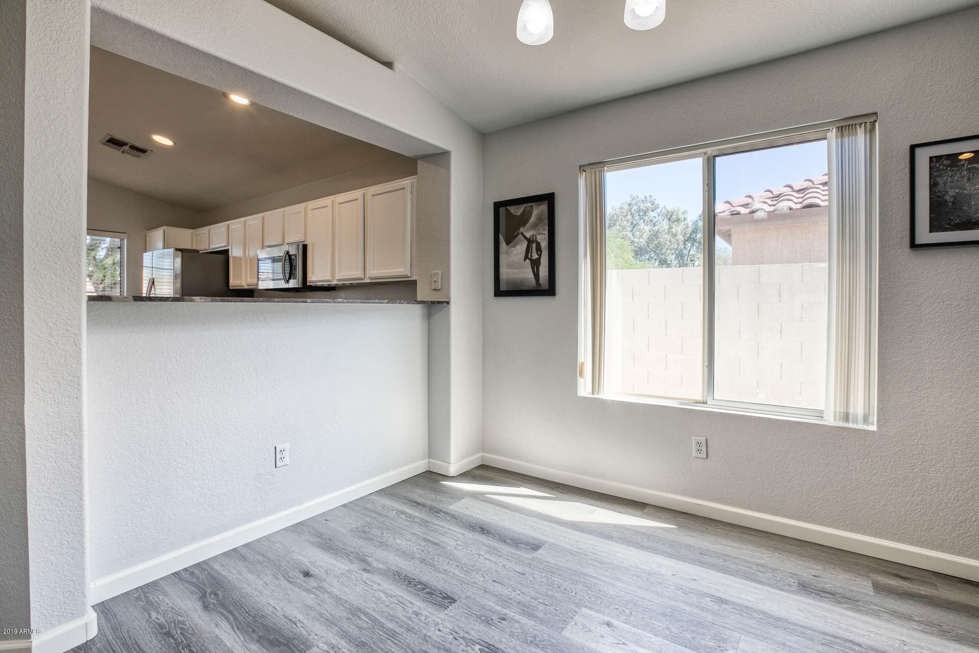 2335 E BROWNING  -8