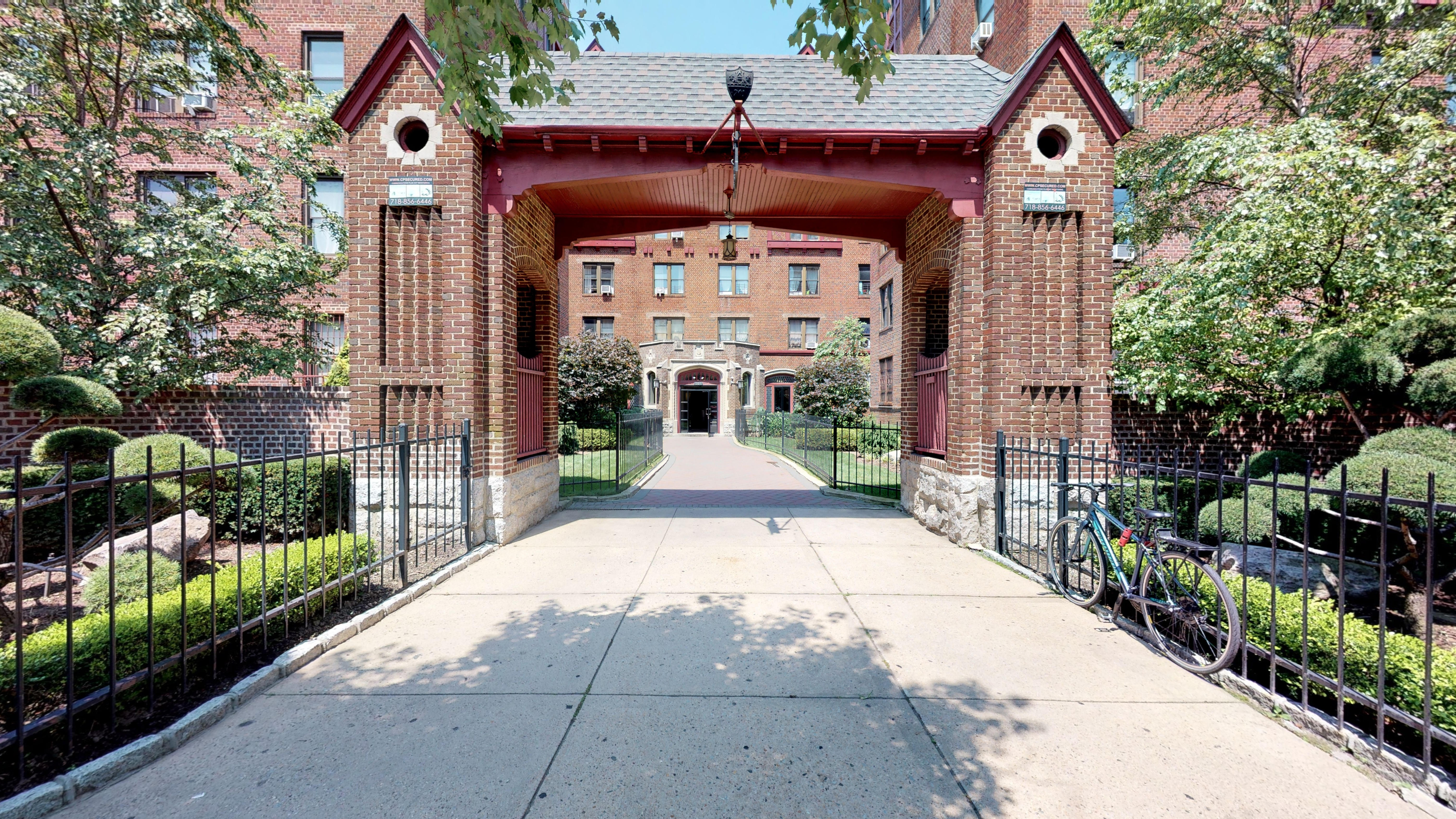 201 Eastern Parkway Unit 1F-1