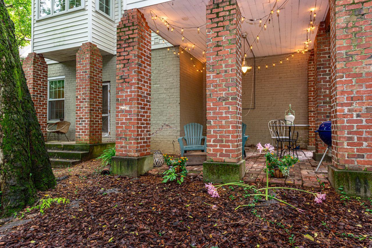1404  Armstrong Ave-29