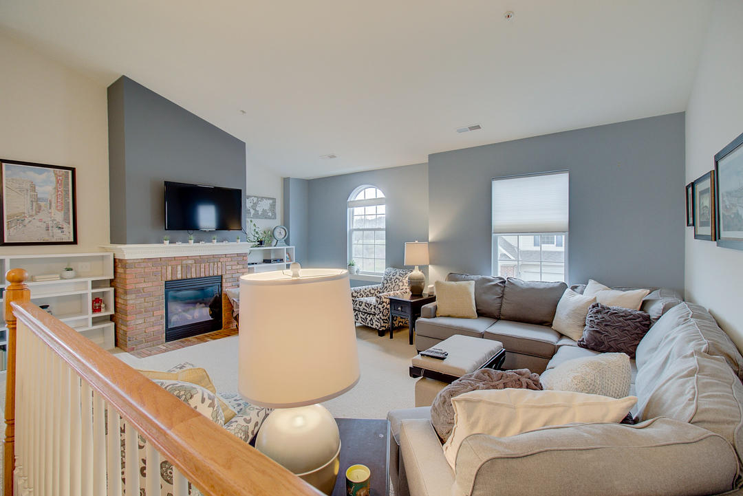 2540 W Colonial Woods Dr -1